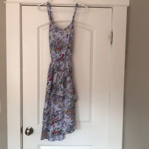 Floral dress with crisscross back. NWT XS